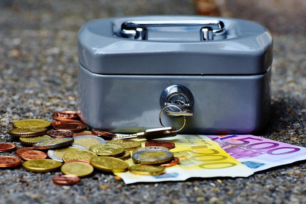 finanzen, Haushalt, Haushaltsausschuss, Stadtrat, Beschluss, Geldmittel, Zuschüsse, Steuern, Einnahmen, Ausgaben